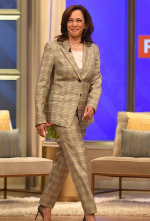 Фото №8 - Ролевая модель: как одевается вице-президент США Камала Харрис