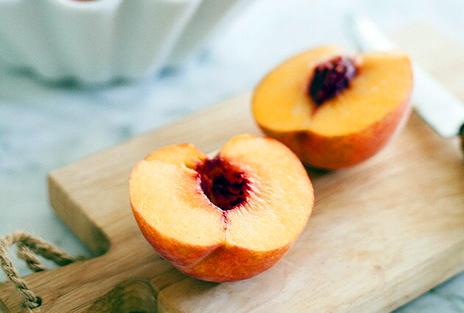 Персики в шоколаде