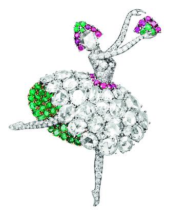 Фото №1 - Драгоценное па-де-де: украшения Van Cleef & Arpels, вдохновленные миром танца