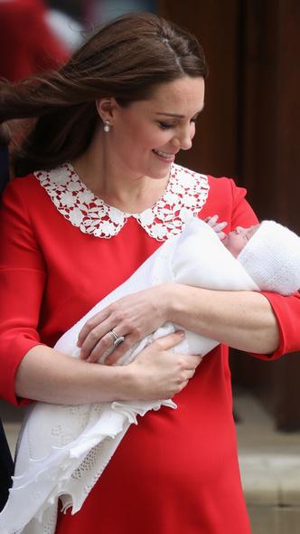 Фото №6 - Подражая Диане: культовые образы принцессы Уэльской, которые повторили Кейт и Меган