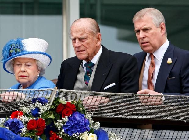 Фото №4 - Настоящий мачо: почему на самом деле Филипп всегда одобрял поведение принца Эндрю