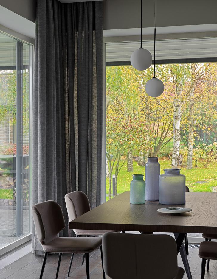 Фото №7 - Дом в Подмосковье 250 м² с камином и большими окнами