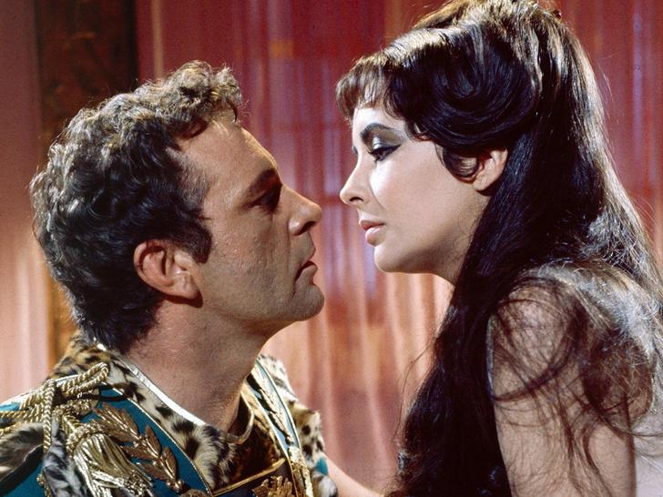 убивала ли клеопатра своих любовников
