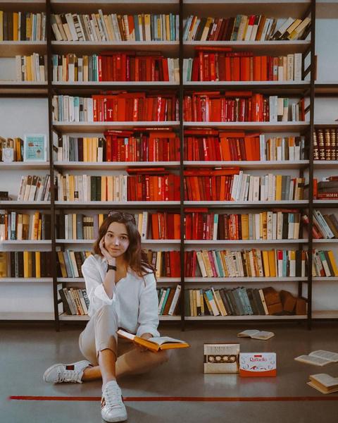 Фото №2 - Что почитать: любимые книги блогера Маши Пономаревой