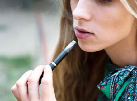 Электронная сигарета помогает нам отказаться от пагубной привычки