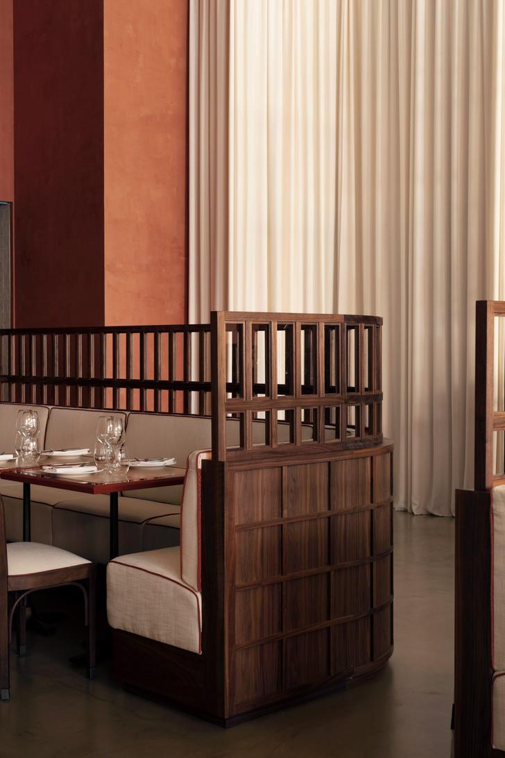 Фото №3 - Декадентский интерьер ресторана в Лондоне
