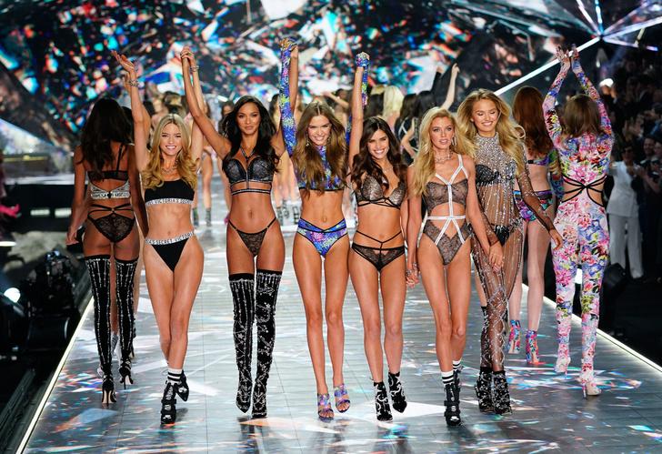 Фото №3 - «Я не ела 3 дня. Мне требовалось 10 минут, чтобы подняться по лестнице»: модель Victoria's Secret о том, чего ей стоил статус «ангела»