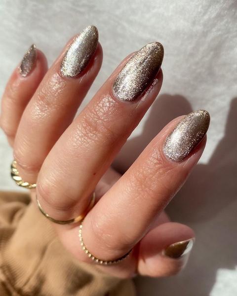 Фото №3 - Velvet nails: идеальный сияющий маникюр на лето