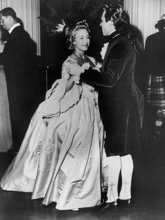 Фото №5 - Сказочная принцесса: неизвестная история самого великолепного платья Маргарет