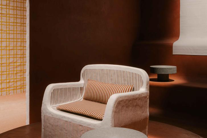 Фото №8 - Новая коллекция Hermès во впечатляющих декорациях Шарлотты Мако Перельман