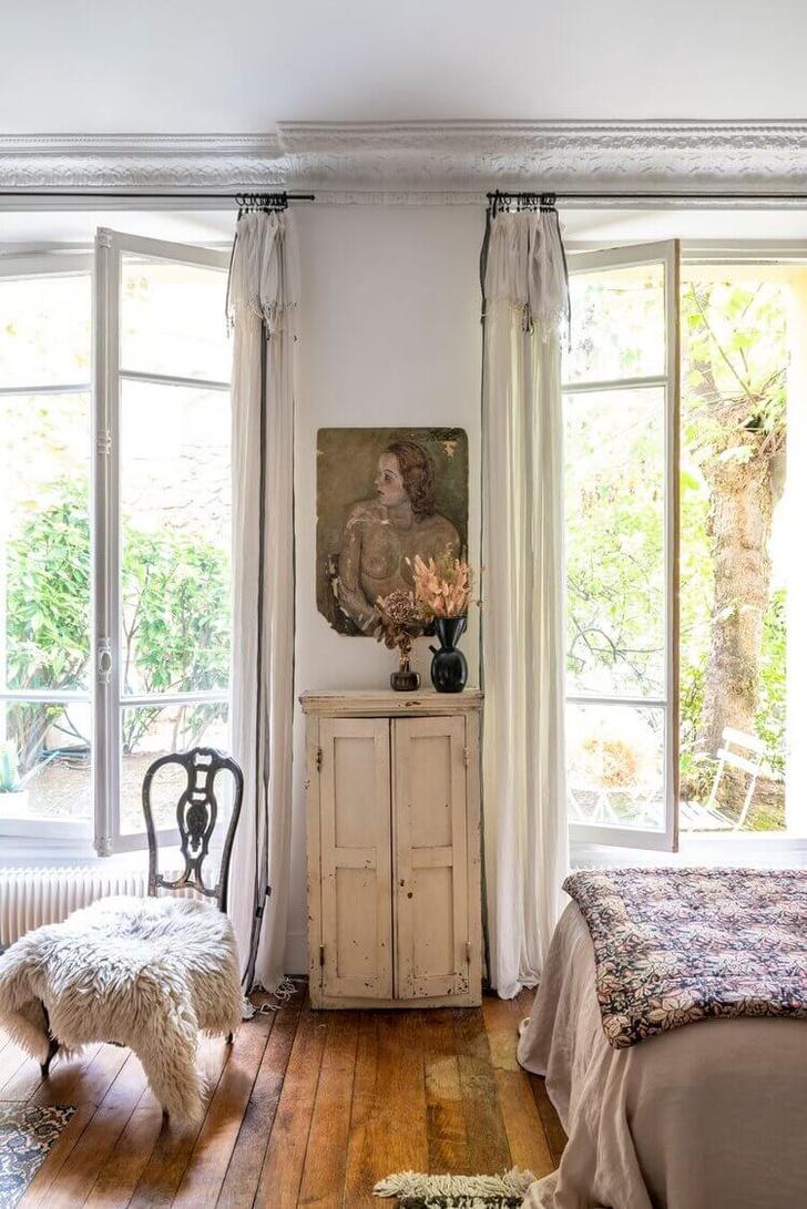 Фото №3 - Маленькая квартира с цветочными мотивами в Париже