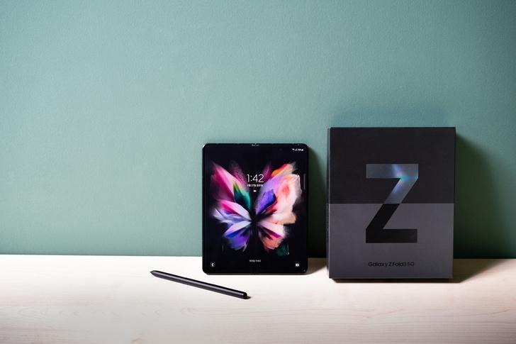 Фото №1 - Руководство пользователя: Шесть главных вопросов о Galaxy Z Fold3 5G