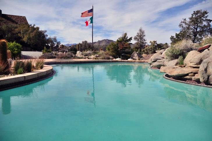 Фото №12 - В Калифорнии продается бывший дом Фрэнка Синатры