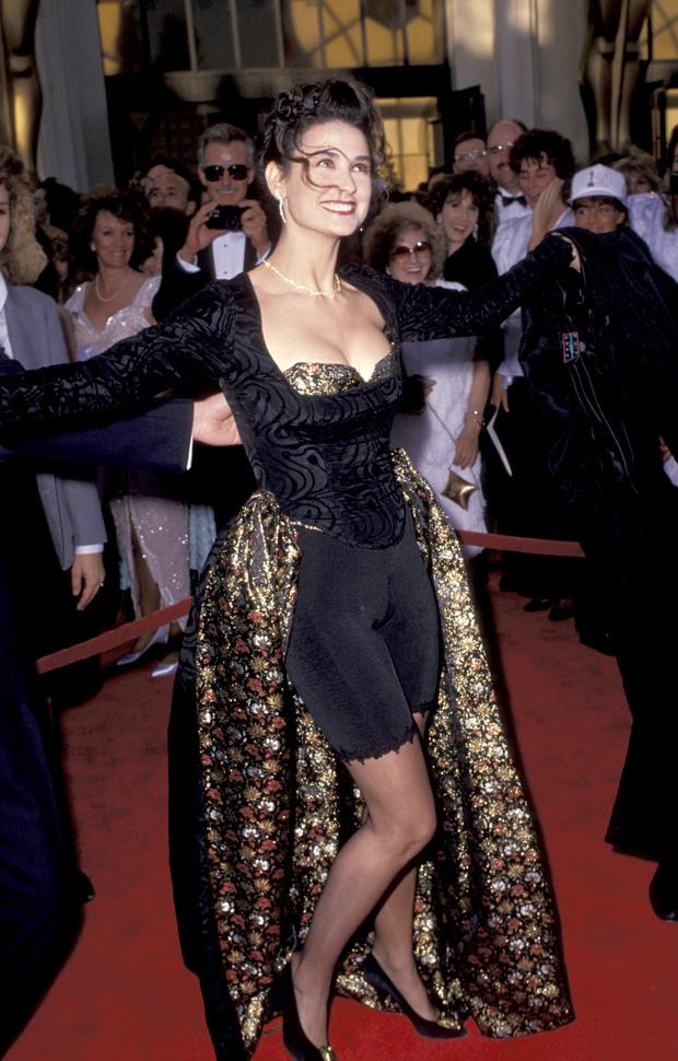 Фото №9 - Лучшие платья «Оскара». 1980-е
