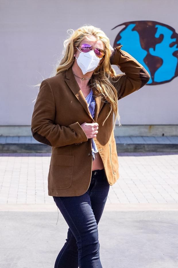 Фото №2 - Очень редкий выход: Бритни Спирс появилась на публике впервые за последний год
