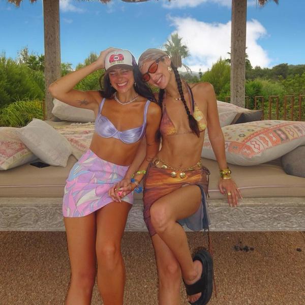 Фото №2 - Простые и модные прически для фотосессии с подругой: показывают Дуа Липа и Белла Хадид