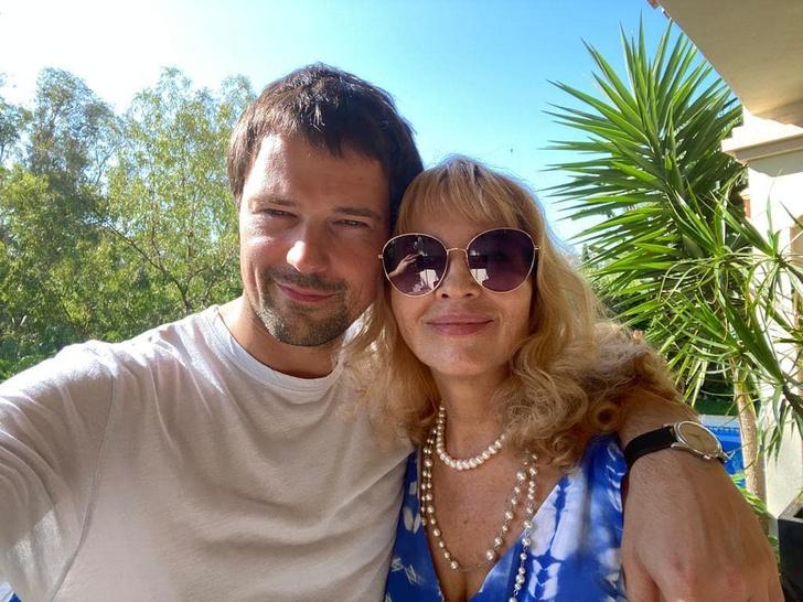Фото №2 - Козловский показал свою маму— и она копия Оксаны Акиньшиной