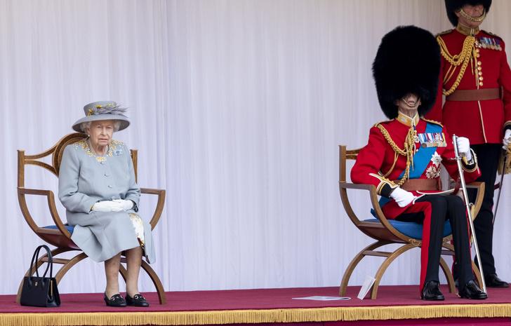 Фото №2 - Trooping The Colour 2021: как Королева отпраздновала свой официальный день рождения