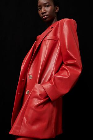 Фото №2 - Lady in red: Nanushka представили коллекцию в честь Китайского Нового года