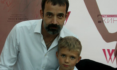 Дмитрий Певцов открыл «Окно в Европу» вместе с младшим сыном