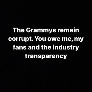 Фото №2 - Белла Хадид и другие звезды поддержали The Weeknd в скандале с «Грэмми»