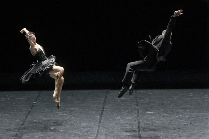 Фото №5 - Игорь Чапурин создал костюмы для балета «Лебединое озеро»