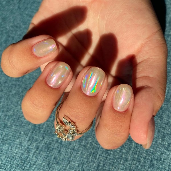 Фото №2 - Северное сияние на ногтях: трендовый маникюр из Инстаграма