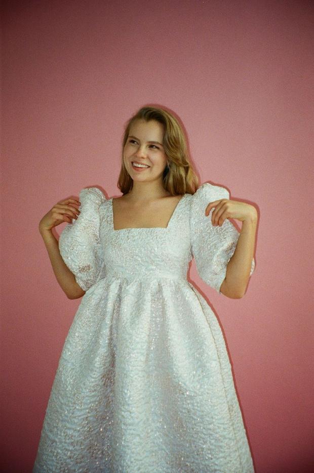 Фото №1 - «Сахарные» платья и сказочные топы в коллекции московского бренда Abitu