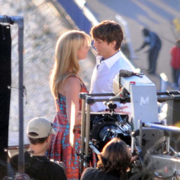Фото №2 - Эштон Катчер целует Кэтрин Хейгл