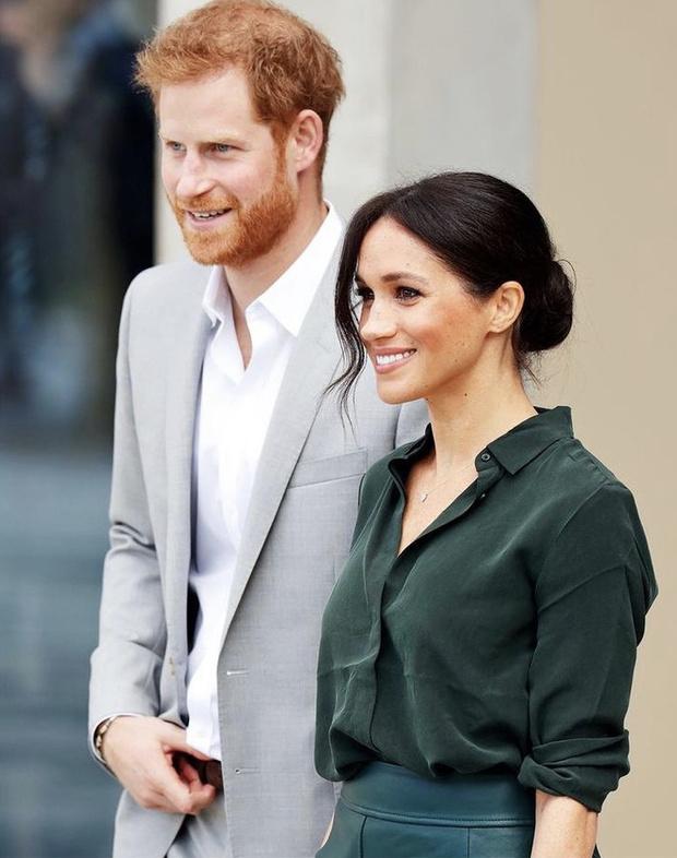 Фото №1 - Назад дороги нет: Гарри и Меган официально объявили, что больше не вернутся к королевским обязанностям