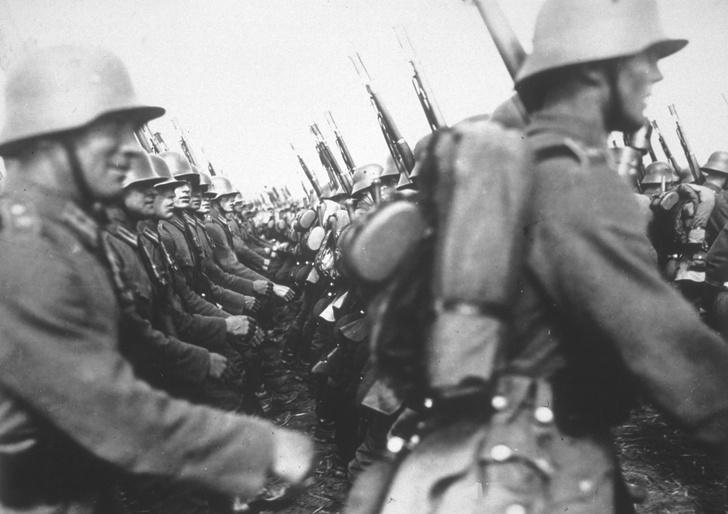 Фото №3 - Коллекционеры марок. Сколько зарабатывали солдаты вермахта во время войны