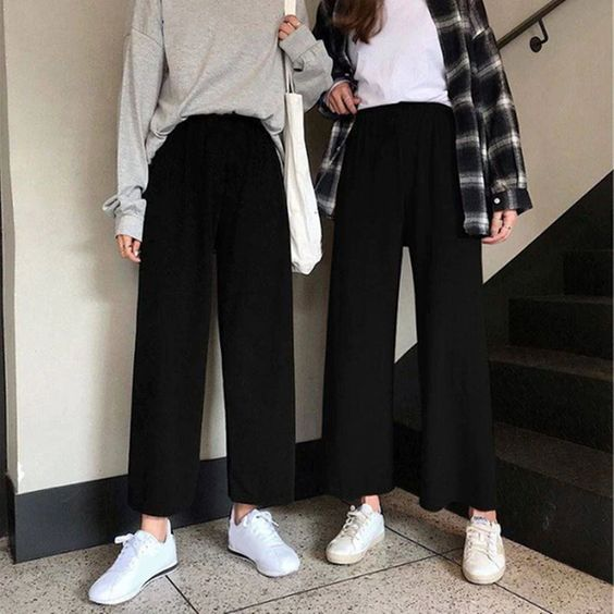 Фото №1 - Будь модной: какие брюки носить в школу осенью 2021