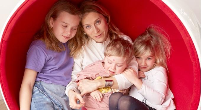 «Моя мама мечтала овнуке, аяродила трех дочерей»