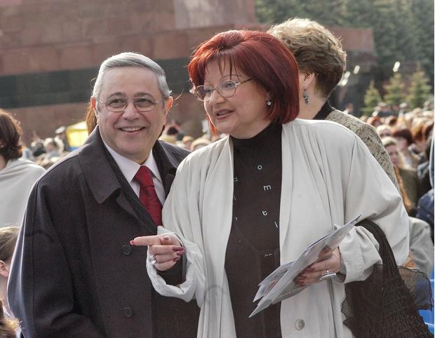 Фото №1 - Зачем Петросян сдает квартиру, в которой живет Степаненко