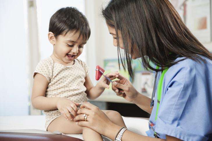 как часто показывать ребенка неврологу