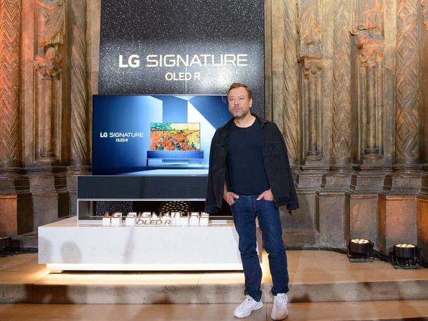 Фото №3 - Новые возможности: в Москве прошла презентация сворачивающегося телевизора LG SIGNATURE OLED R