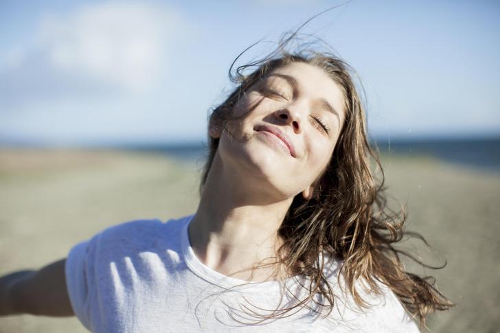 Фото №5 - Как восстановить волосы после солнца и моря 🌊