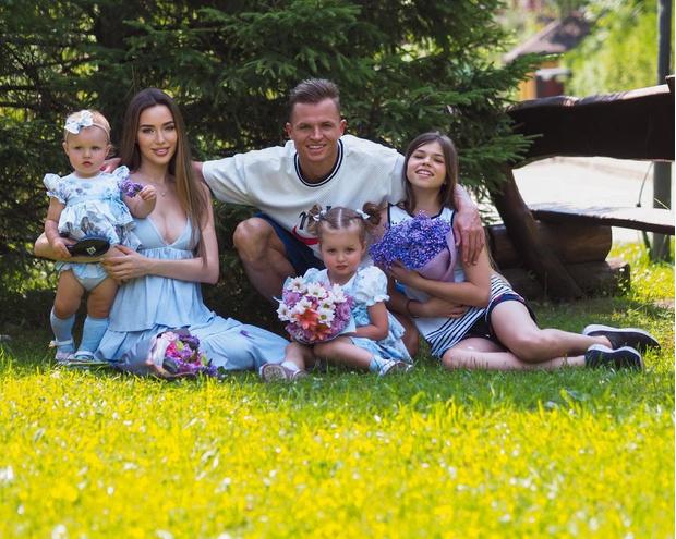Фото №2 - Фламинго, ванна, Миа Бойка: Тарасов и Костенко закатили грандиозную вечеринку на трехлетие дочери