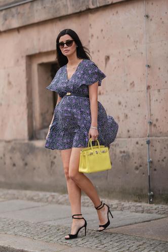 Фото №2 - Для лета и не только: самые модные платья с цветочным принтом