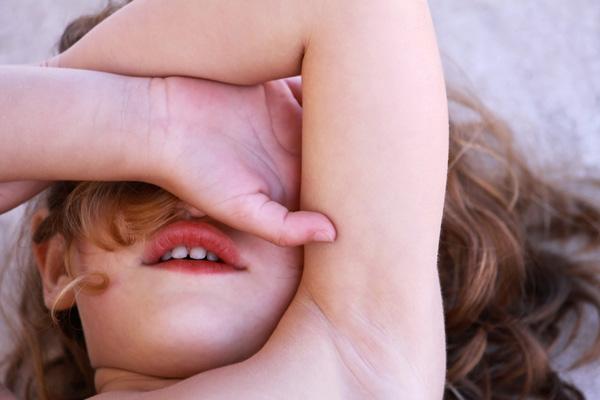 Фото №1 - Детская непосредственность: почему детям не стыдно
