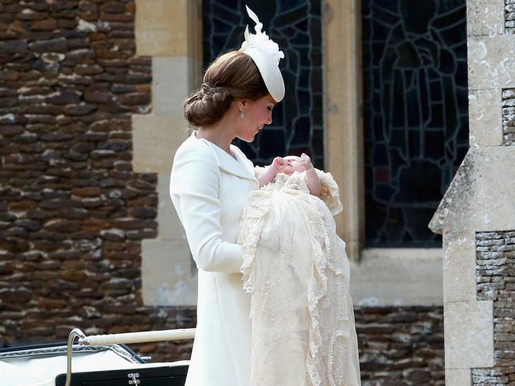 Фото №2 - Мамина дочка: 11 раз, когда Кейт и Шарлотта появлялись в парных образах