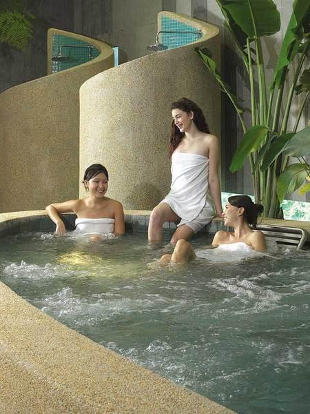 Сингапур бассейн на крыше отеля
