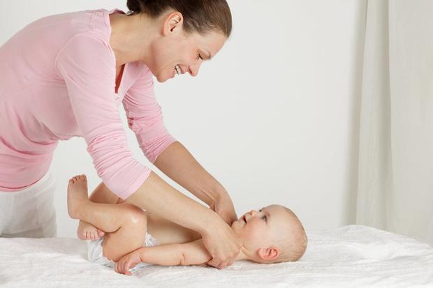 Фото №2 - Ручная работа: 5 приемов массажа для грудничка