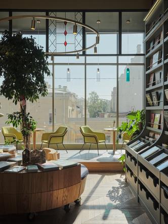 Фото №10 - Обновленный книжный магазин «Подписные издания» в Петербурге