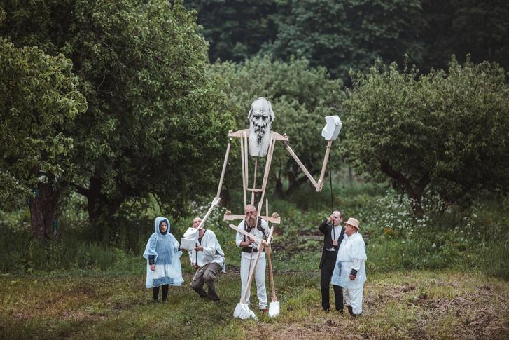 Фото №1 - Что смотреть на театральном фестивале «Толстой»: выбор ELLE DECORATION