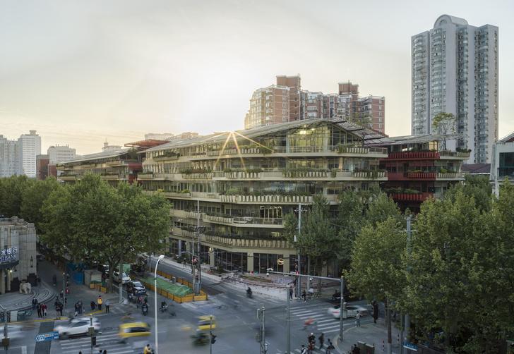 Фото №4 - Коммерческое здание по проекту Жана Нувеля в Шанхае