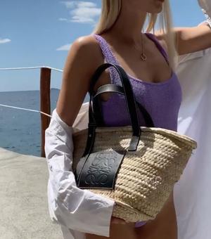 Фото №5 - Что купить: самые модные сумки весна-лето 2021