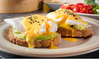 4 простых блюда для завтрака из двух яиц