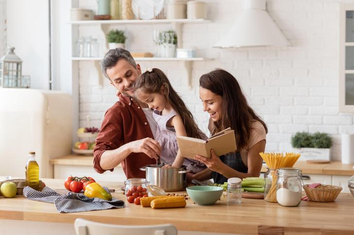 Фото №1 - Как навести порядок на кухне раз и навсегда: лайфхаки, которые работают