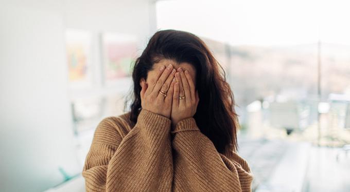 Что выдает человека, который себя недооценивает?